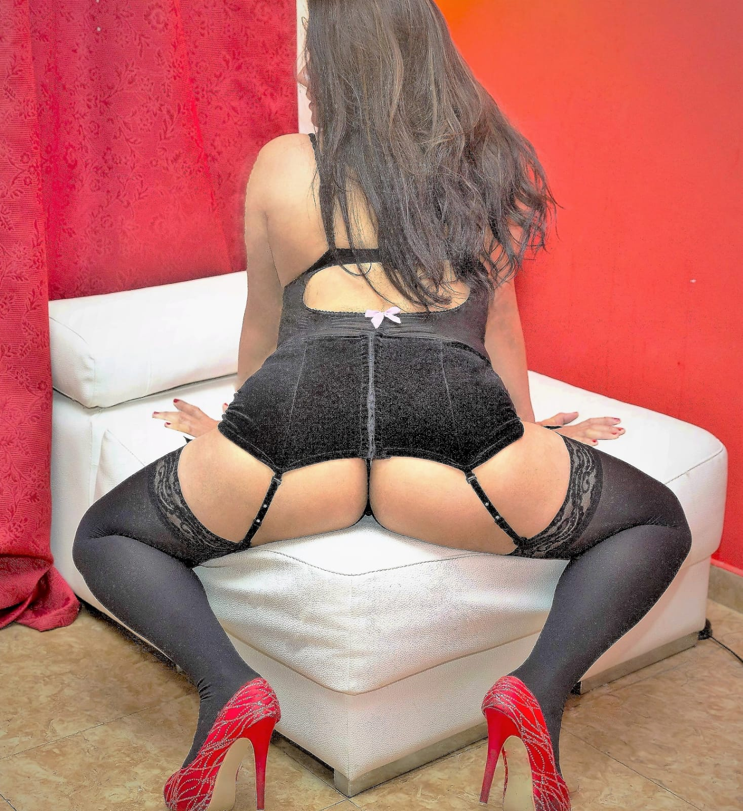 EXOTIC, HOT, LOVELY, DELICIOUS LATIN BRUNETTE 24 h