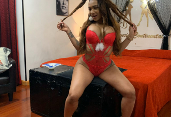 ASHLEY PURA  PASION DOMINICANA